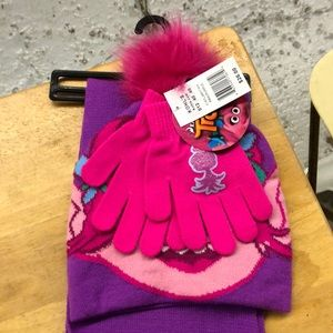 Trolls hat gloves and scarf set